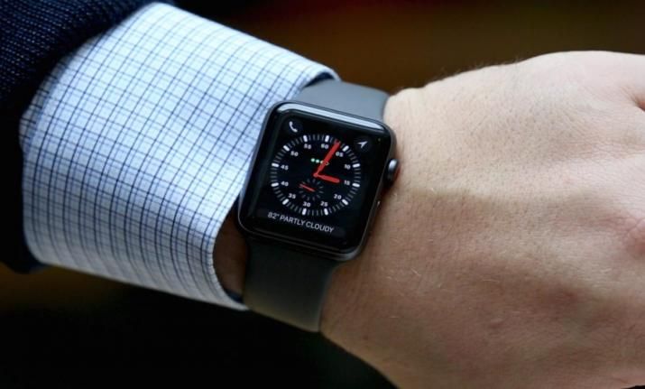 Similar to a smartphone, Apple soon brings touch-sensitive solid state buttons to its watches